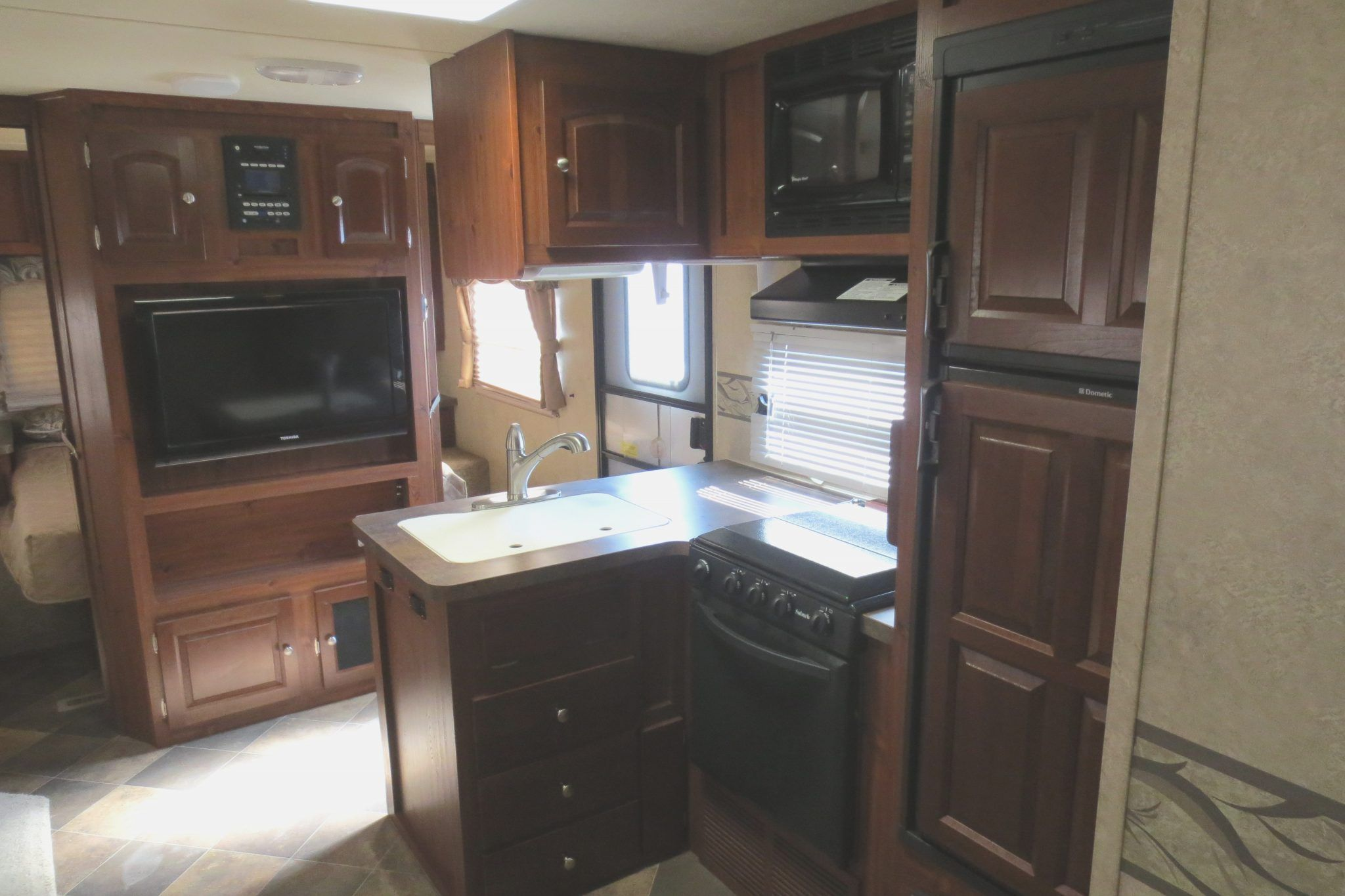 Travel Trailer With Outdoor Kitchen   22 Foot Travel Trailer With Outdoor  Kitchen, Keystone Travel Trailers With Outside Kitchens, Laredo Travel  Trailer ...