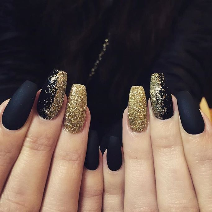 Glamorous Black And Gold Nail Designs Be Modish Black Gold Nails Gold Nail Art Nails Design With Rhinestones