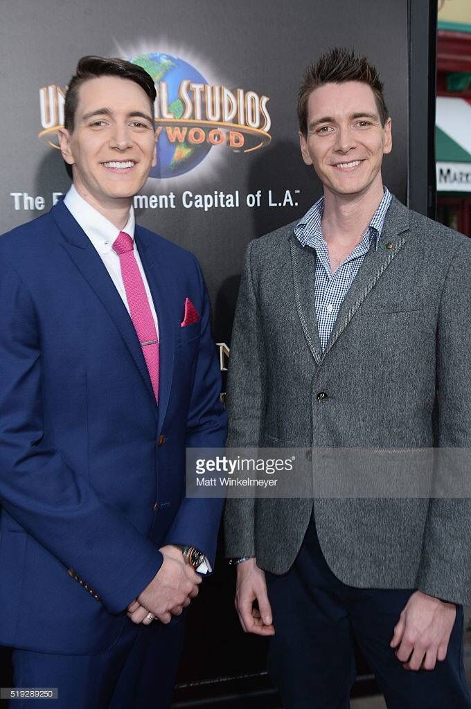 Pin By Kaitlyn Palmer On Universal Hollywood Oliver Phelps Weasley Twins Fred And George Weasley