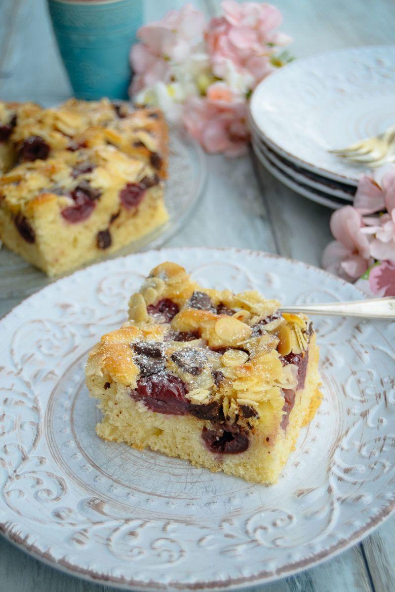 Einfacher Kirschkuchen Vom Blech Mit Mandeln Rezept Ruhrkuchen Mit Kirschen Kuchen Mit Kirschen Kirschkuchen Mit Streusel