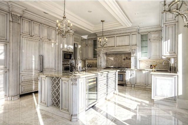 Www Valuxuryhouses Com Luxury Dream Home Kitchen With Center Island Ornate Cabinet Kitchen Inspiration Design Luxury Kitchen Cabinets Classic Kitchen Cabinets