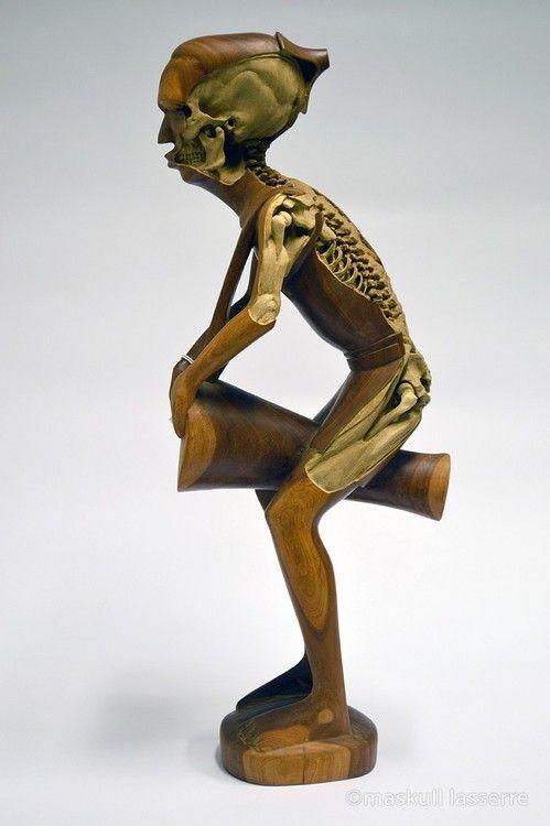 Revealing skeletons in souvenirs, Maskull Lasserre