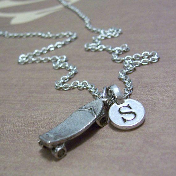 Great Gift for the #skatermom or #skatergirl. Also get some #skatertrainer @skatertrainer