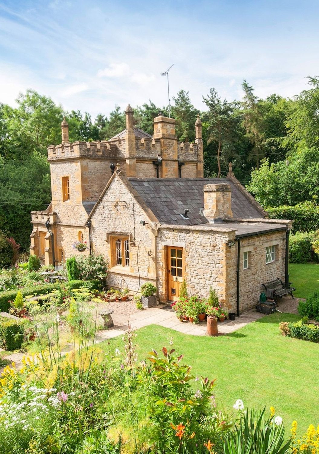 This Tiny Castle In England Packs In A Lot Of Magic Castle House
