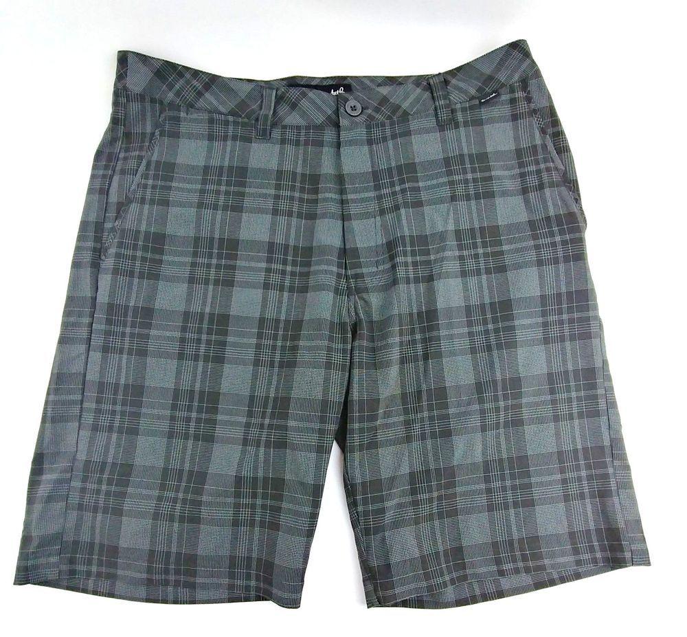 e133a47db1 Travis Mathew Men Walking Shorts Size 34 Plaid Dark Shadow 21
