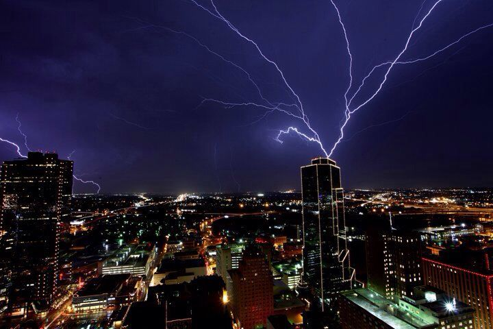 Downtown Ft Worth | Lighting Over Downtown Fort Worth