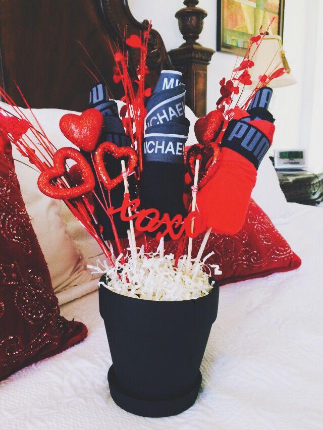 Diy Man Bouquet Man Bouquet Valentines Gifts For Boyfriend Valentines Day Gifts For Him