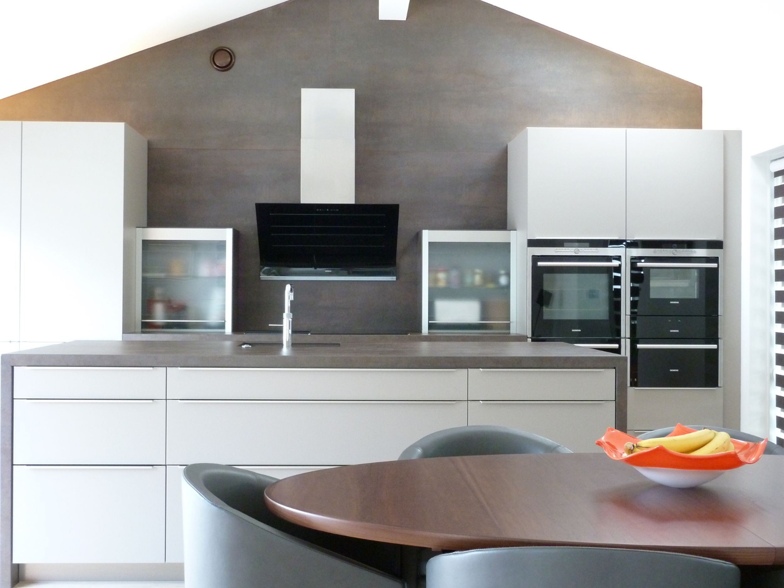A Beautiful Neolith Iron Copper Kitchen Available In 12mm And 5mm  # Muebles Elektra