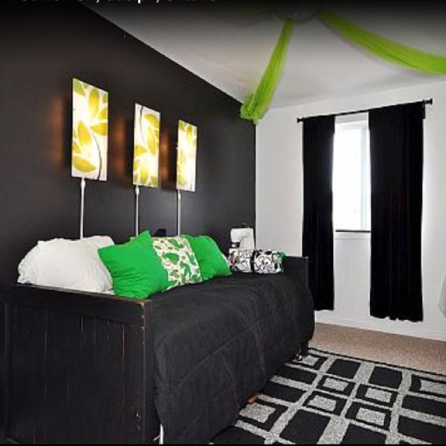 Best Black And White Guest Room But With Deeper Green Accents 640 x 480