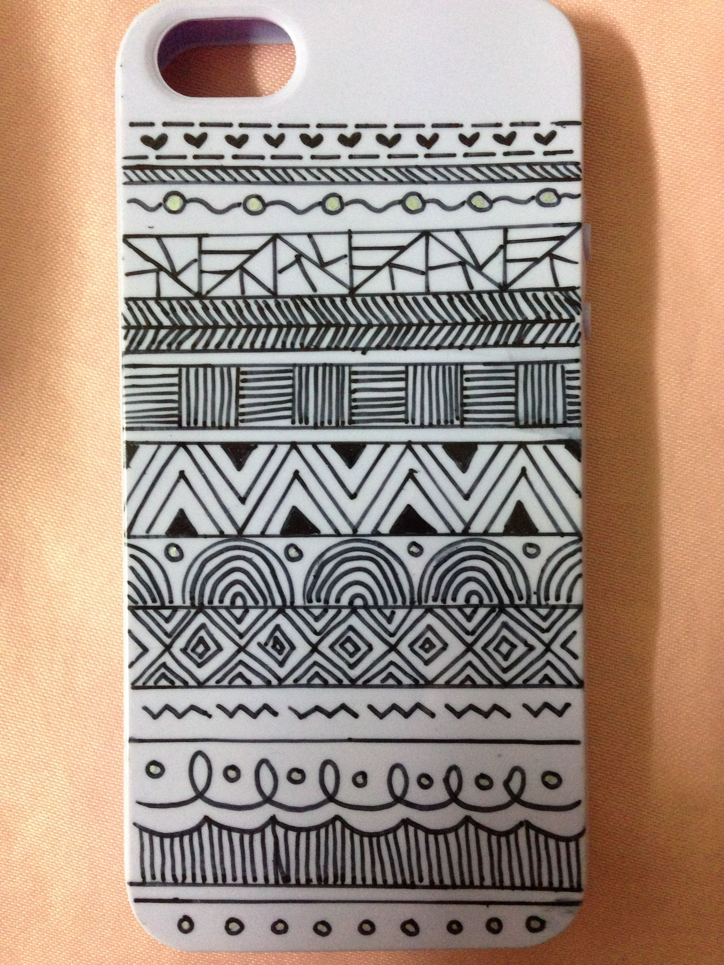 325412e05 First DIY phone case.. All you need is a plain phone case n a marker pen..  =======Aztec print========