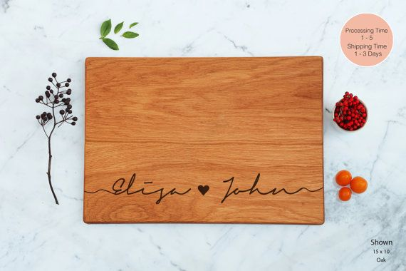 Personalized Script Names Cutting Board Wooden von WoodLuckEngraved