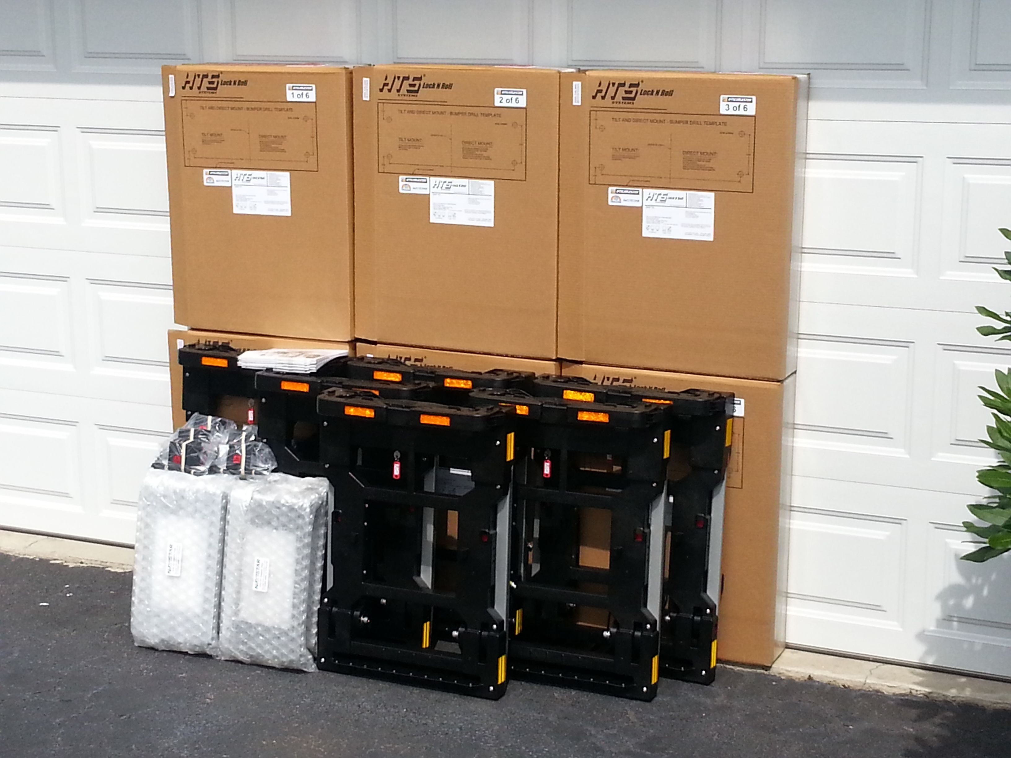 HTS-10T Tilt Mount units for IDG Industrial Distribution Group, shipping United Parcel Service.