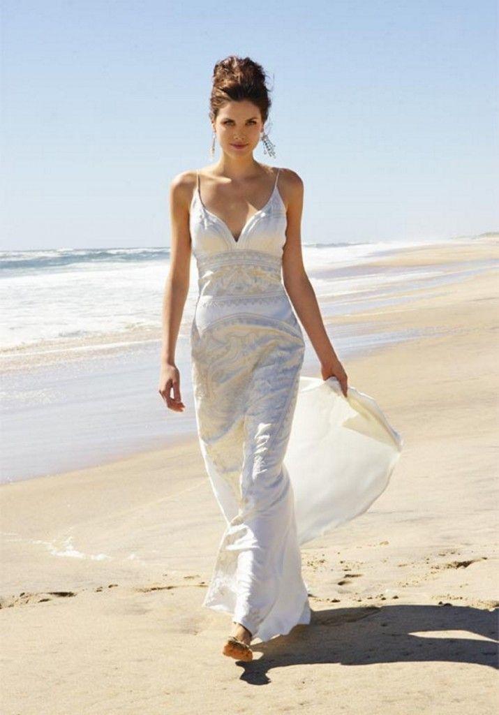 Precioso vestido para una boda informal en la playa. | Beach wedding ...