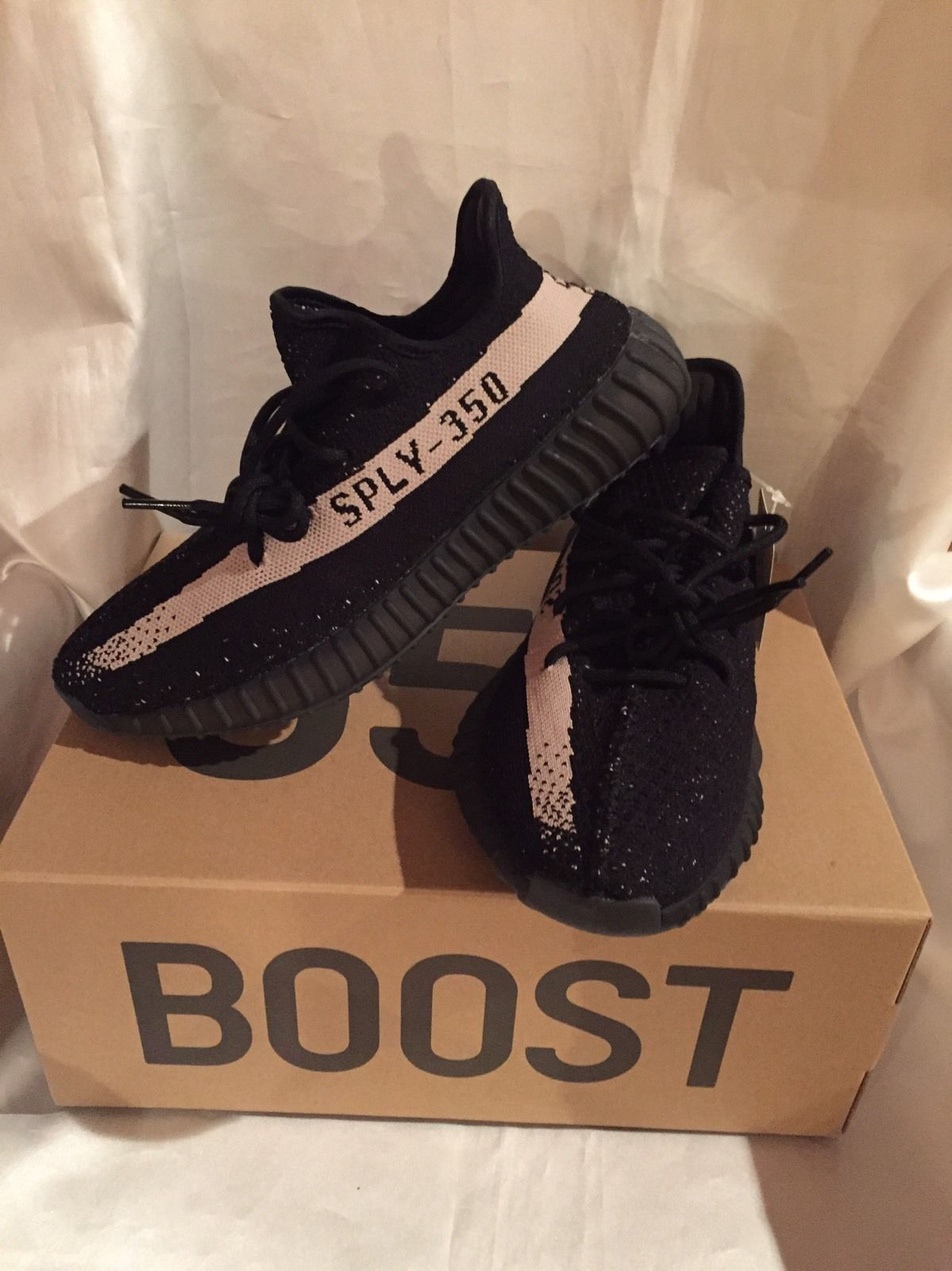 Adidas Yeezy Boost 350 V2 Core Black White Sz 9 US YZY Kanye In Hand