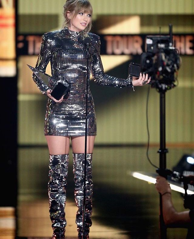 , Taylor swift won all the nominations, My Pop Star Kda Blog, My Pop Star Kda Blog