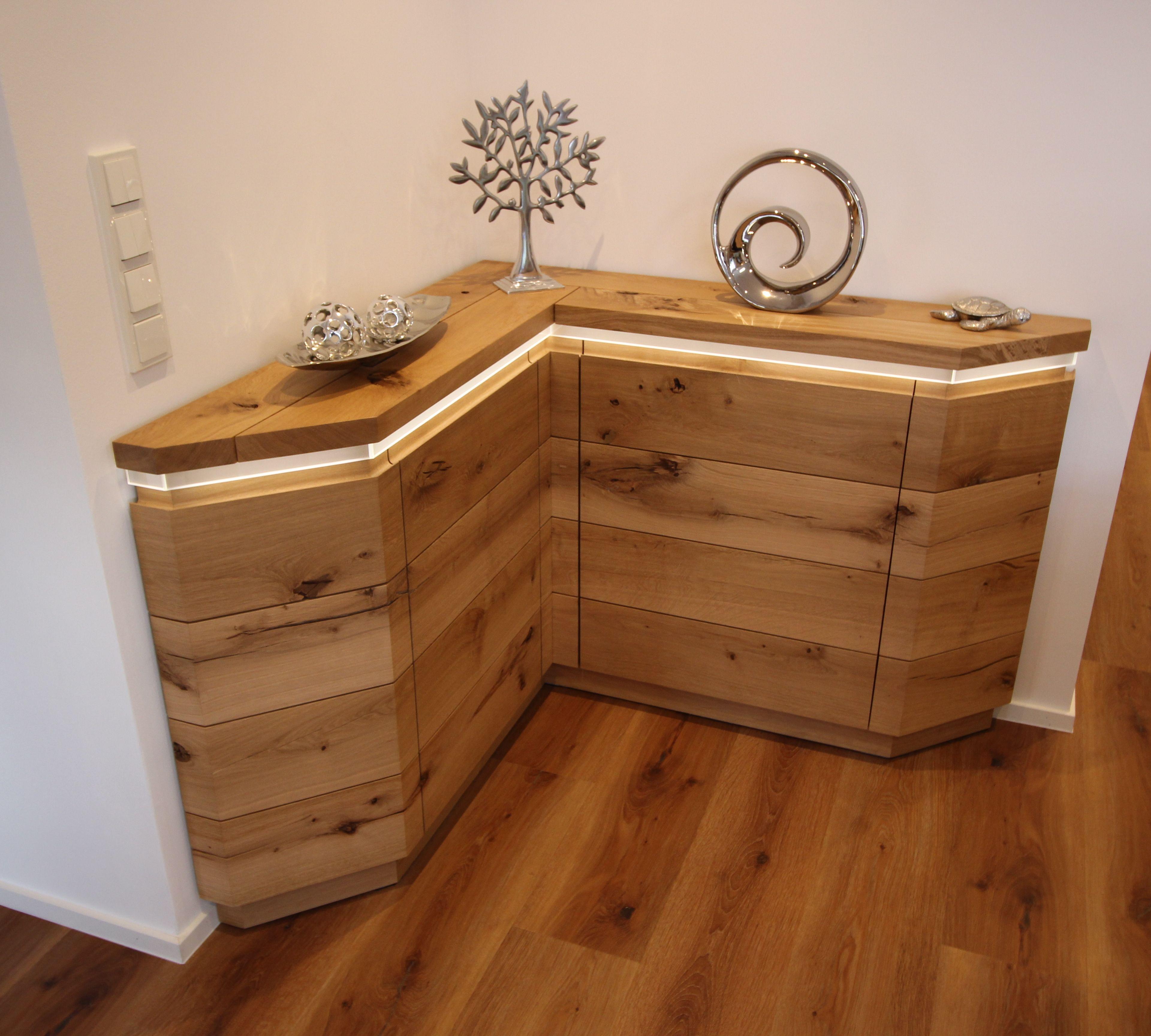 Sideboard über Eck in Eiche, vom Tischler gefertigt