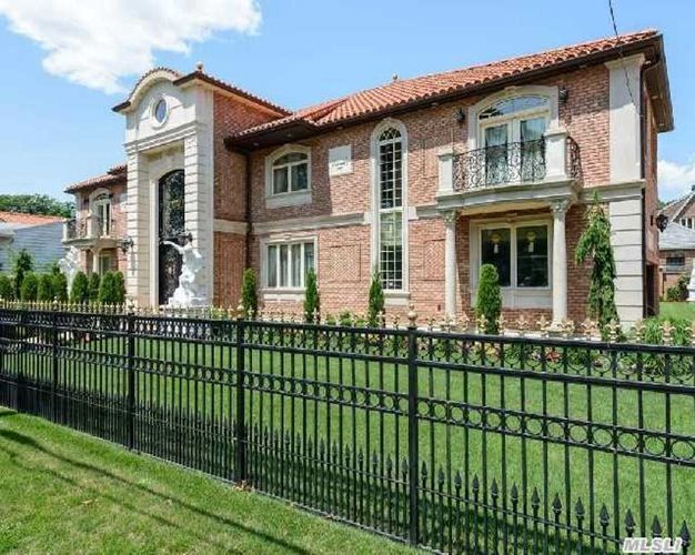 18415 Hovendon Rd Queens Ny For Sale Powered By Postlets Luxury Homes Property Apartments For Rent