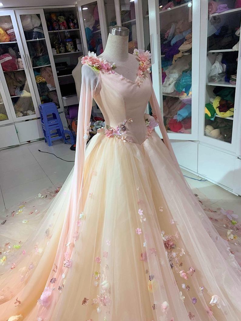 24+ Sleeping beauty wedding dress cartoon information