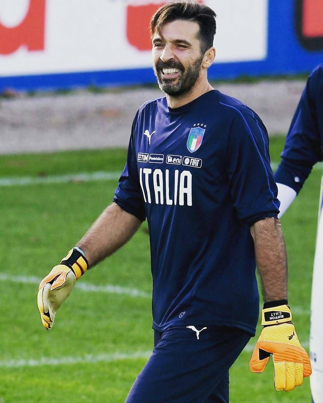 174 Mentions J Aime 1 Commentaires Tifosi Di Buffon Buffontifosi Sur Instagram Coverciano Instagram Gigi Goalkeeper