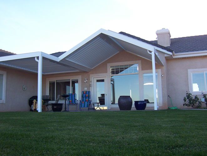 Louvered Roofs Shading Pergola Pergola Patio Pergola With Roof