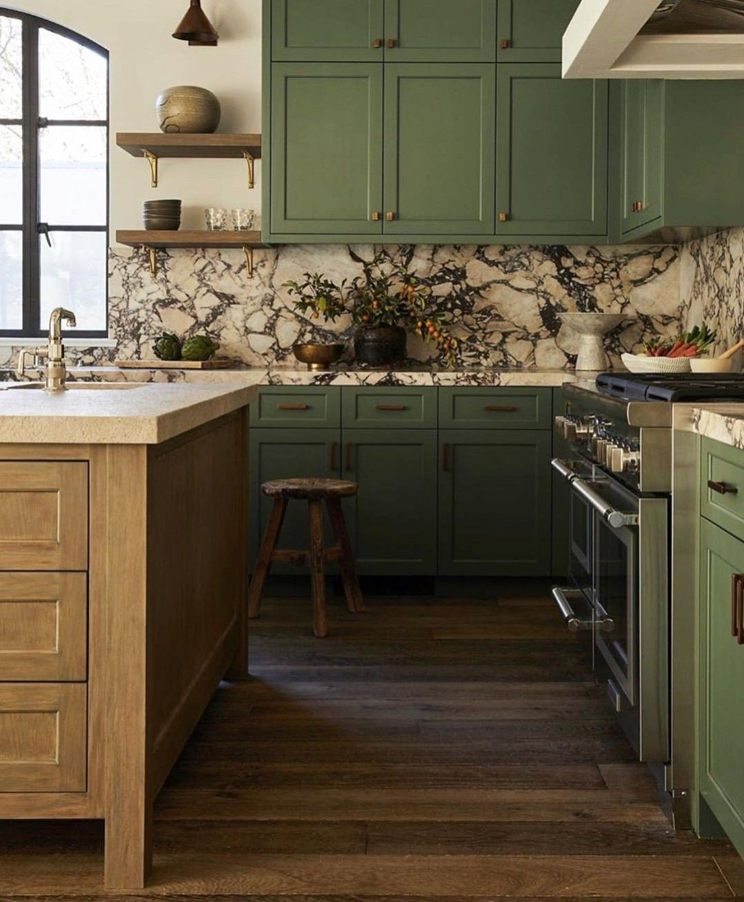 Pin By Nicole Armstrong On Richilden In 2020 Kitchen Inspiration Design Green Kitchen Cabinets Disc Interiors