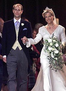 Vestiti Da Sposa Wikipedia.Wedding Of Prince Edward Earl Of Wessex And Sophie Rhys Jones