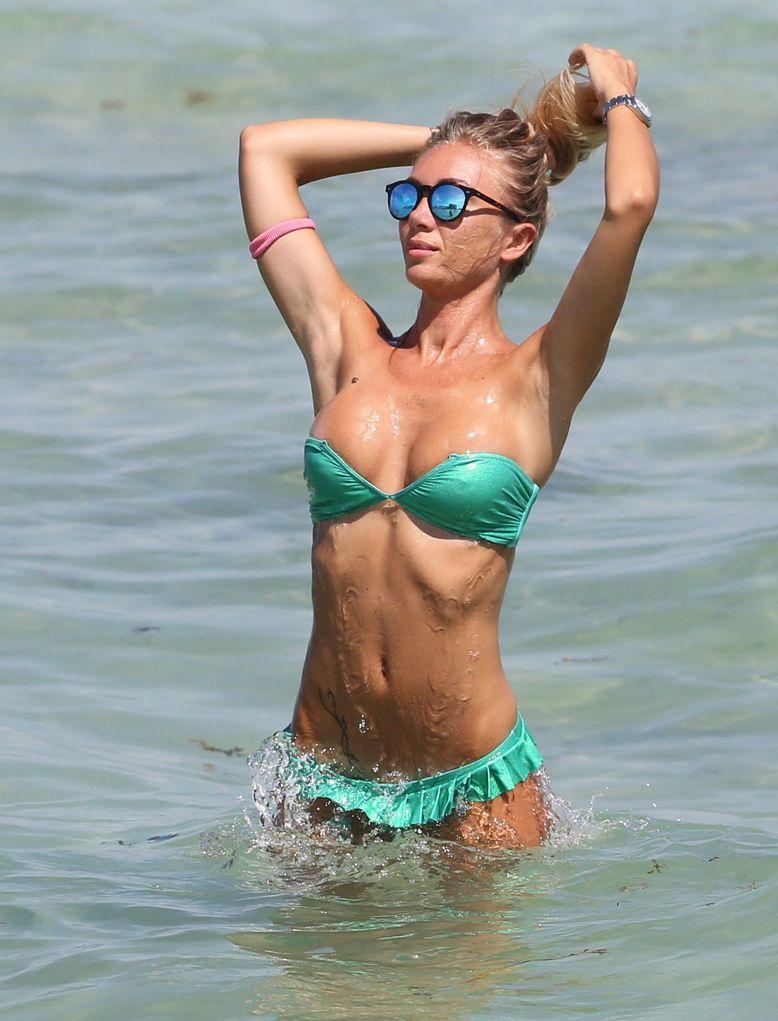 Miami beach hotties