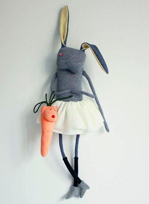Skrip Skrap bunny http://knuffelsalacarteblog.blogspot.nl/2014/10/adorable-bunny-dolls.html