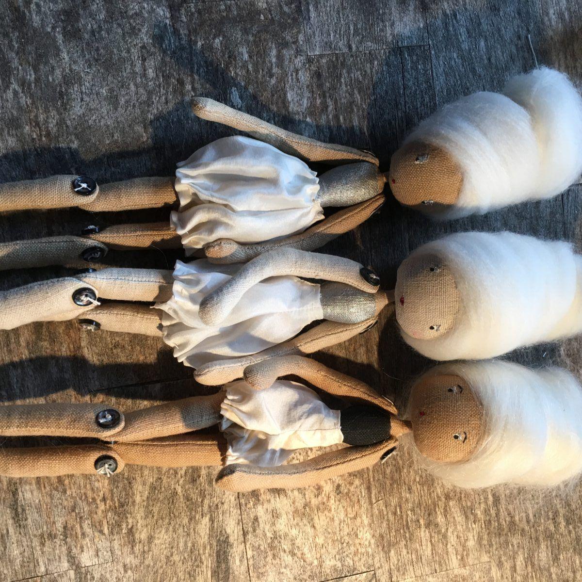 Clothe doll group