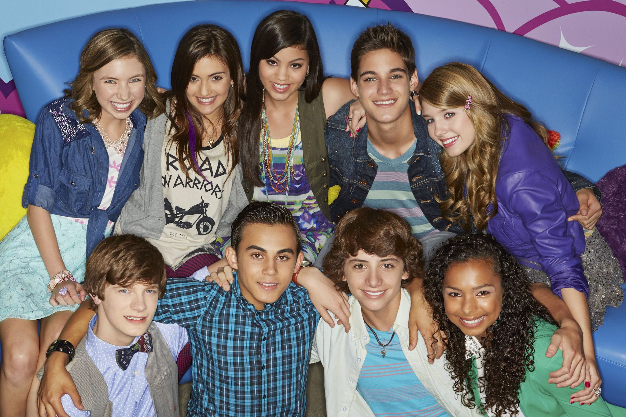 nickelodeon premieres month long new series every witch way