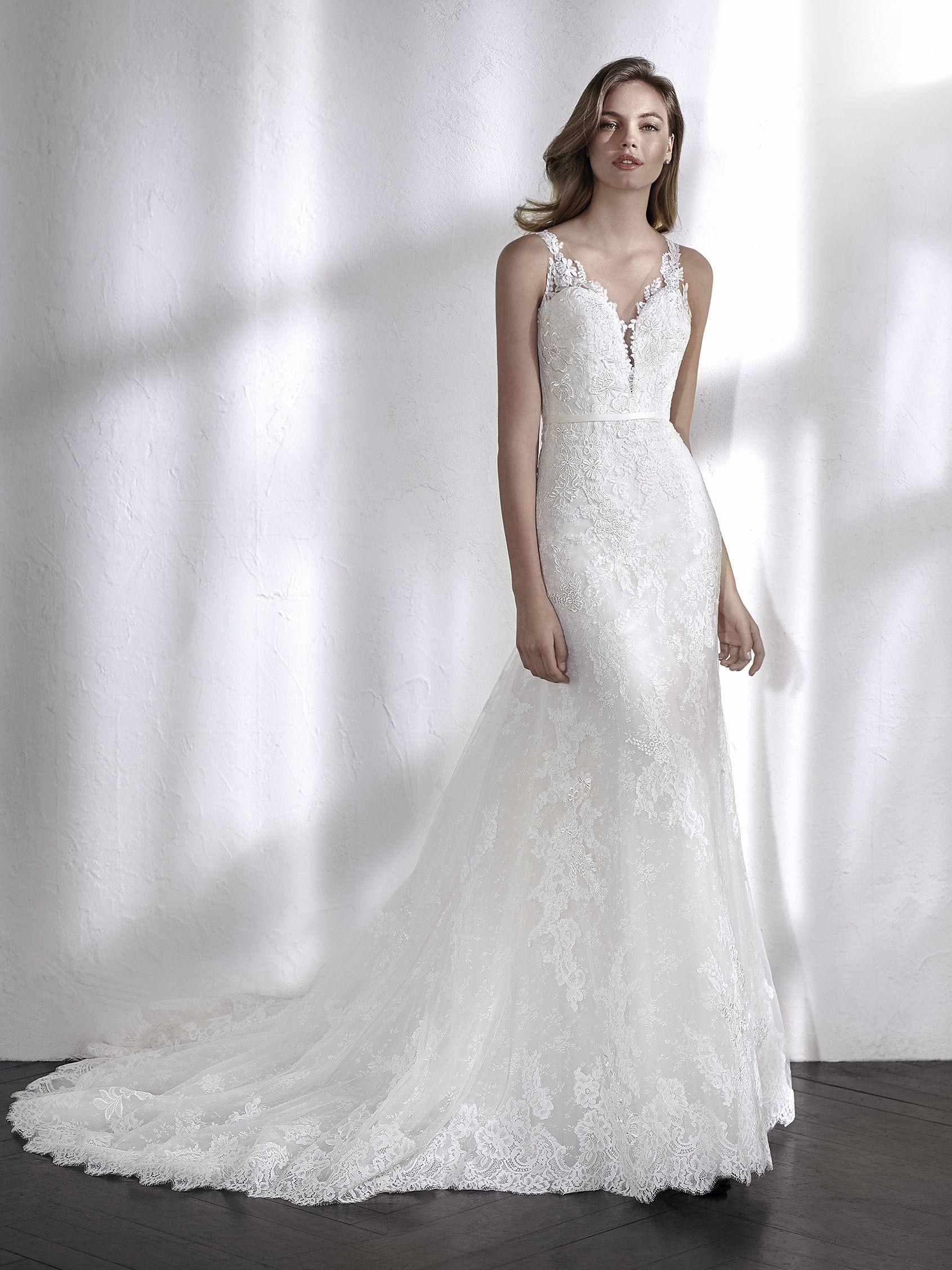 LEXY. Ärmelloses Brautkleid im Meerjungfrau-Stil mit transparenten ...