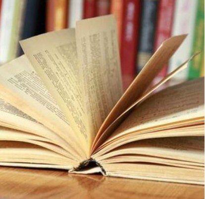 Books make you healthier - Photo courtesy of Shutterstock  www.almaalexander.org/die/
