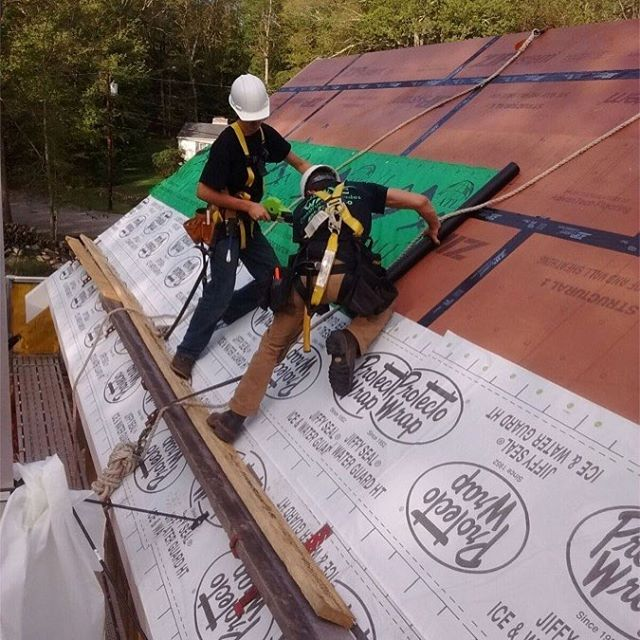 Mrjfinktoday S Question For Builders And Remodelers Do You Trust Zip System By Itself On A Roof Or Go Belt A Underlayment Building A House Fine Home Building
