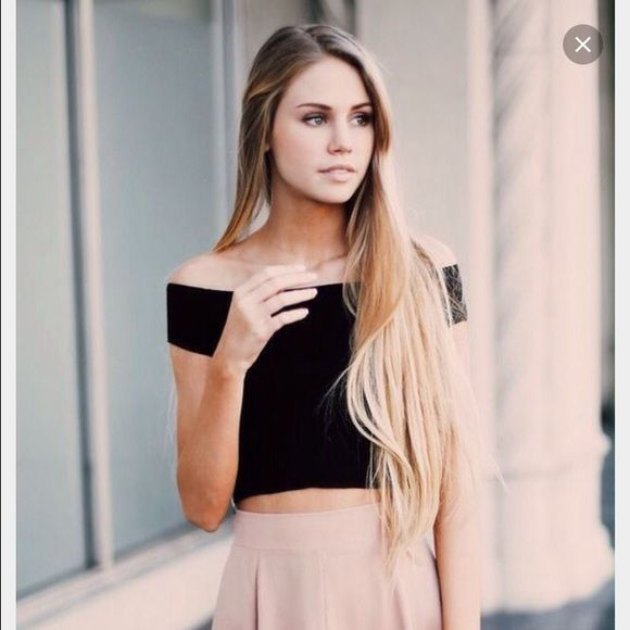 b49c617f248758 Brandy Melville Charlene Off-Shoulder Top in Black Worn only once! %  authentic Brandy Melville Charlene off-shoulder crop top in black.