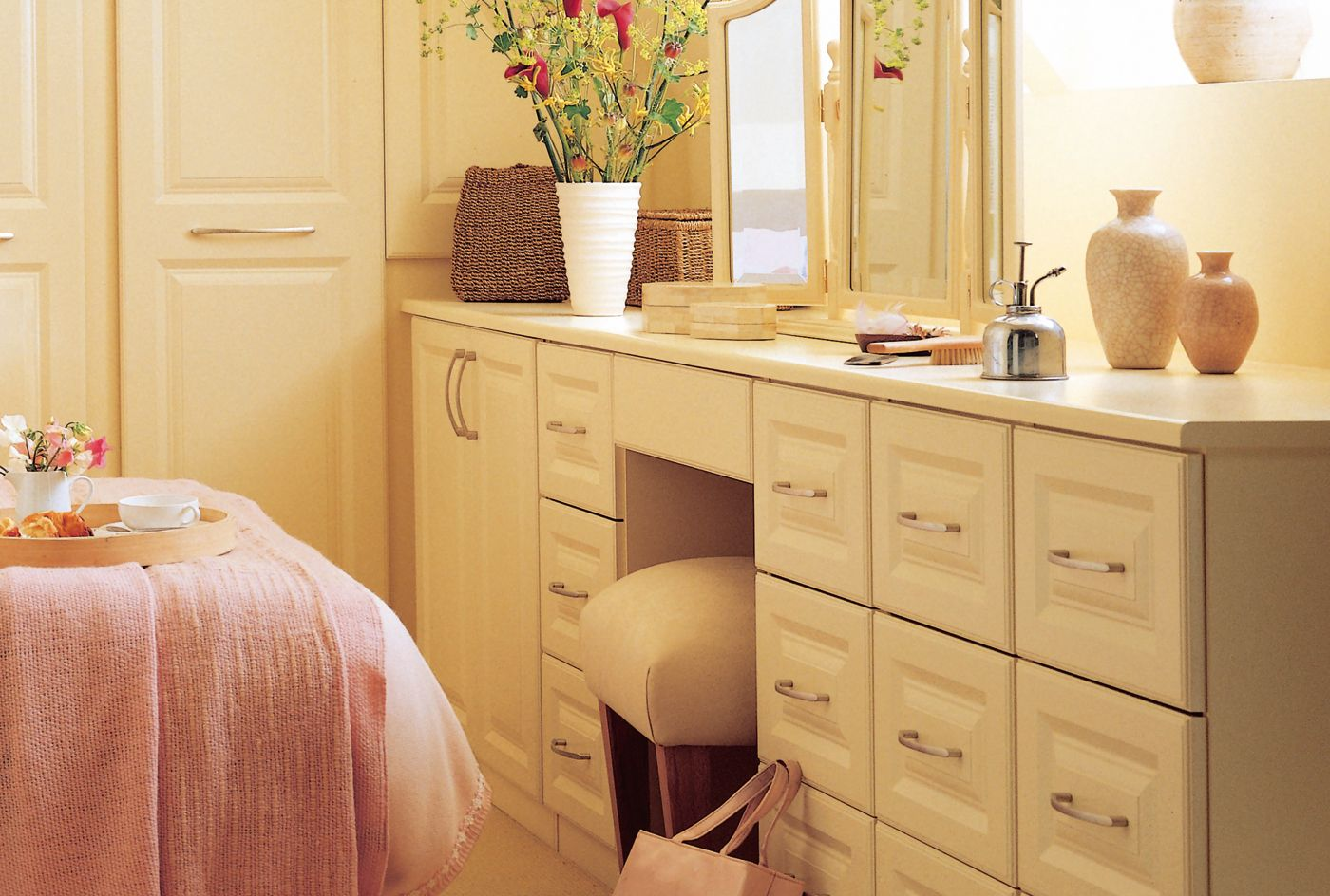 attractive & practical sherbourne oak and maple bedroom furniture