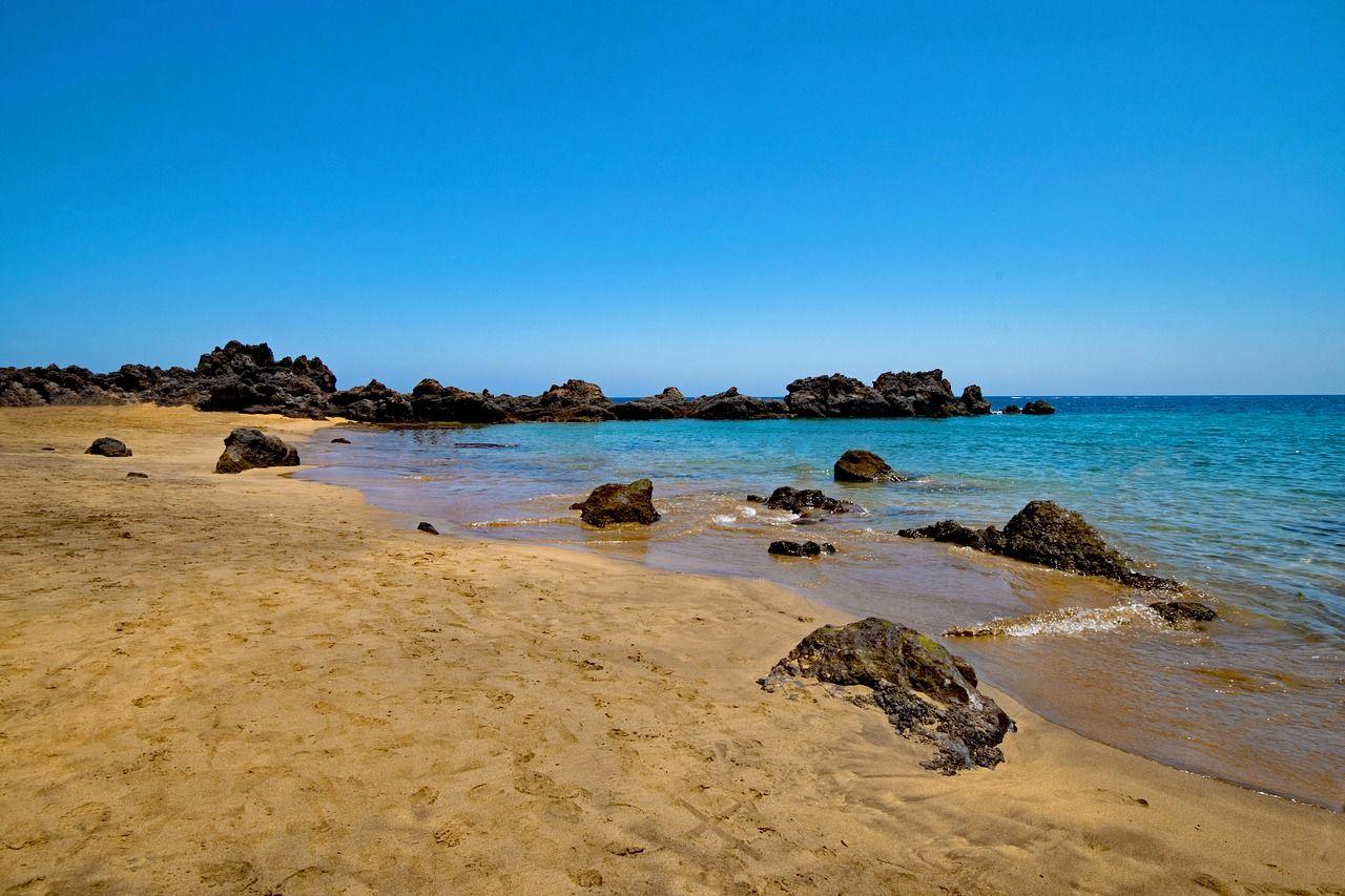 Vacation Puerto Del Carmen Playa Chica Vacation Puertodelcarmen Playachica Lanzarote Most Beautiful Beaches Beautiful Beaches