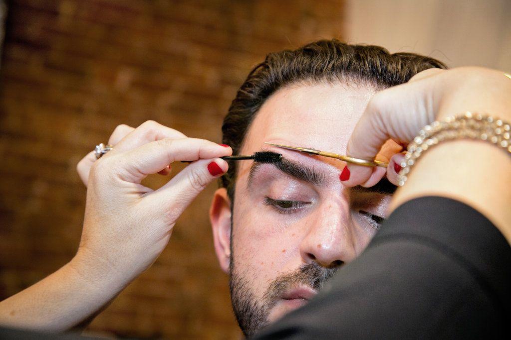 касается обуви, как правильно подстричь брови фото помощью местных жителей