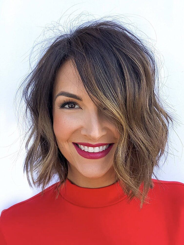 53 New Hairstyles For Round Faces That Ll Trend In 2021 Medium Length Hair With Layers Medium Hair Styles Thin Hair Haircuts