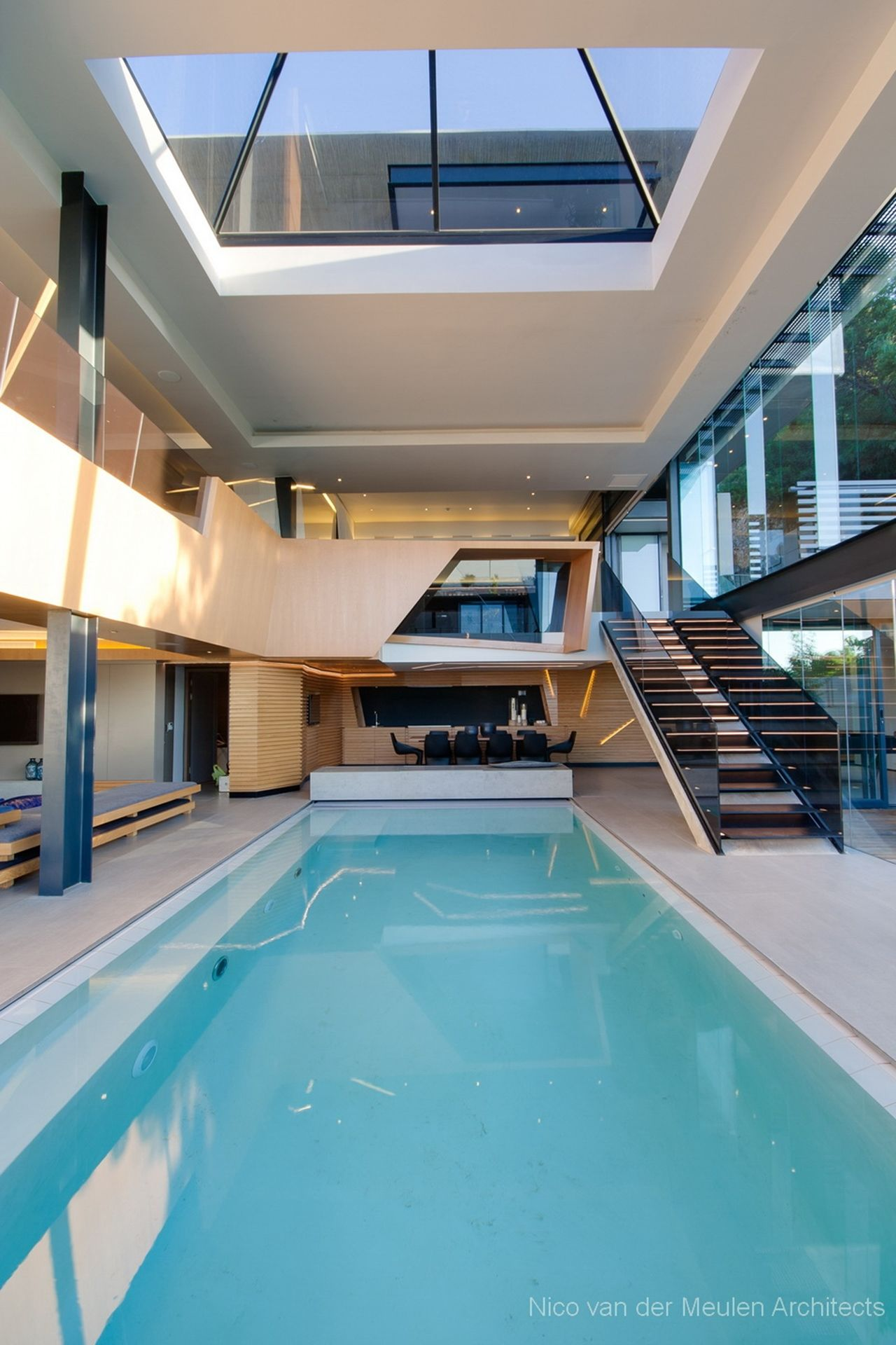 3415b813502fe Swimming pool in pretty house designed by Nico van der Meulen Architects