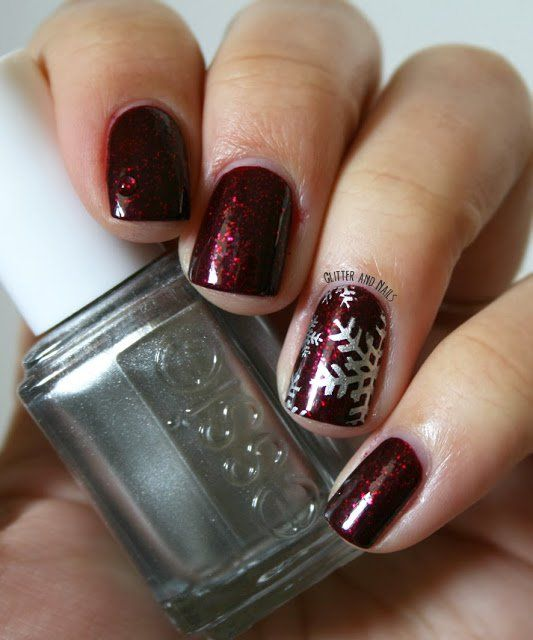 Best Christmas Gel Nails: 15 Snowflake Nail Art Designs For Winter