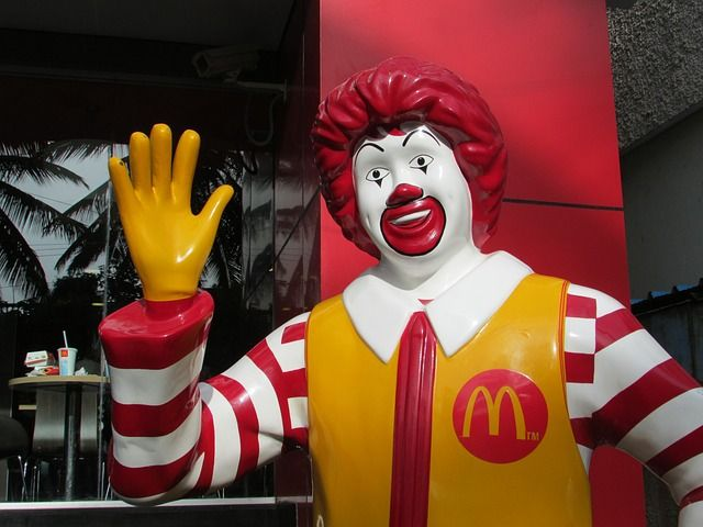 You Ll Never Eat Mcdonald S Again After You Read These Horrifying Facts Http Livingtraditionally C Mcdonalds Mcdonalds Korea Ronald Mcdonald House Charities