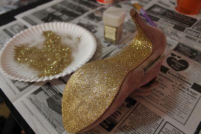 petite femme jolie: DIY: Glitter Sole Heels