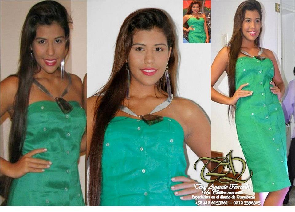 Confeccionado en Lino, forrado con ponge y conservando las caracteristicas basicas de la Guayabera Cubana, se confecciona por talla o a la medida