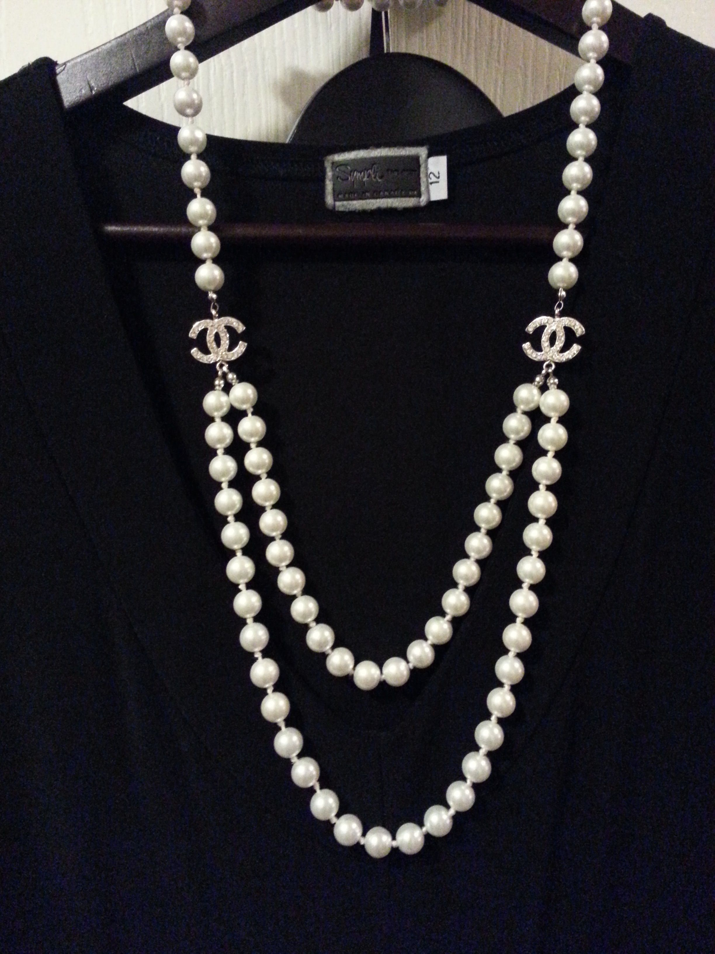 fashions for the classy lady 40 my own collection vintage chanel necklace brand chanel. Black Bedroom Furniture Sets. Home Design Ideas