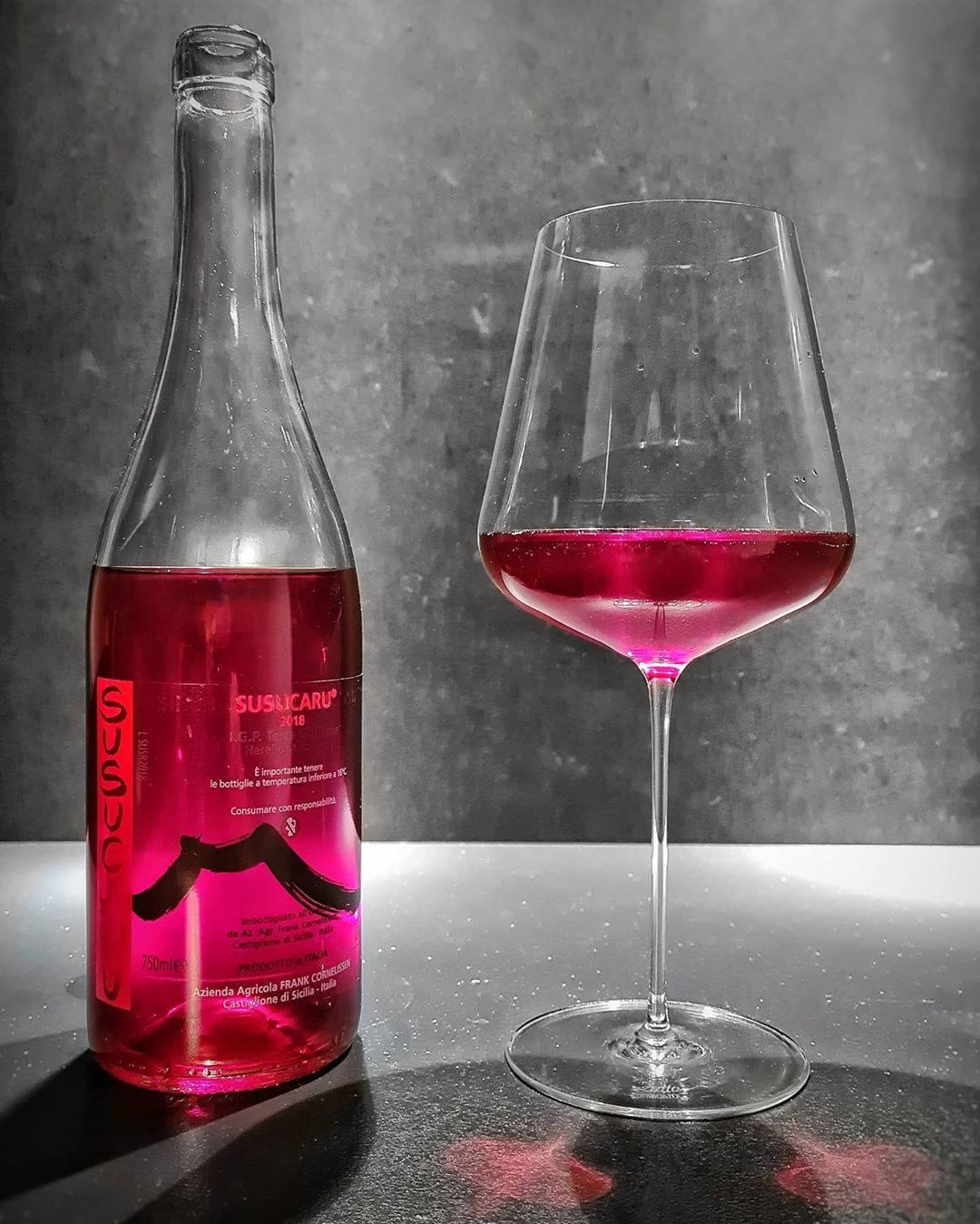 Marcel De Cocq On Instagram And There It Is 2018 Susucaru Rosso Frank Cornelissen 85 Nerello Mascalese Sicili Etna In 2020 Wine Bottle Wino Light Red