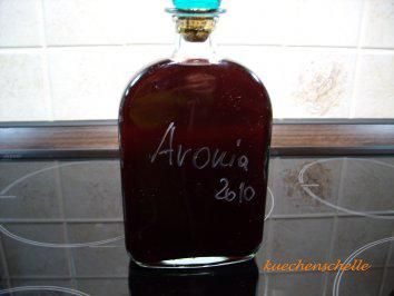 Photo of Liqueur: Aronia berry – recipe with picture