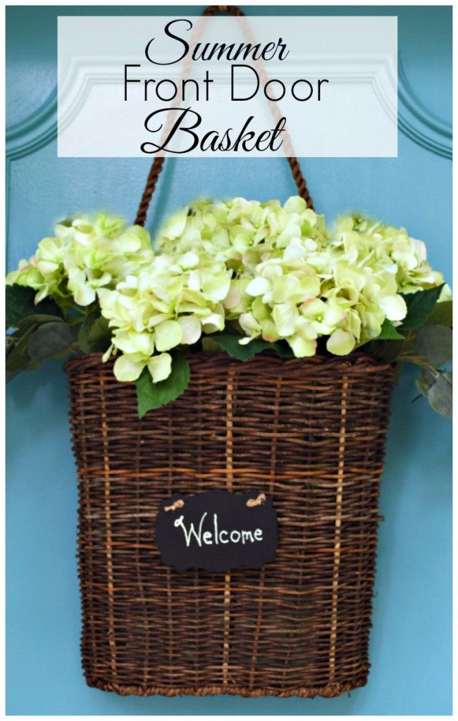Summer front door basket filled with hydrangea. A quick and easy DIY project.  | chatfieldcourt.com