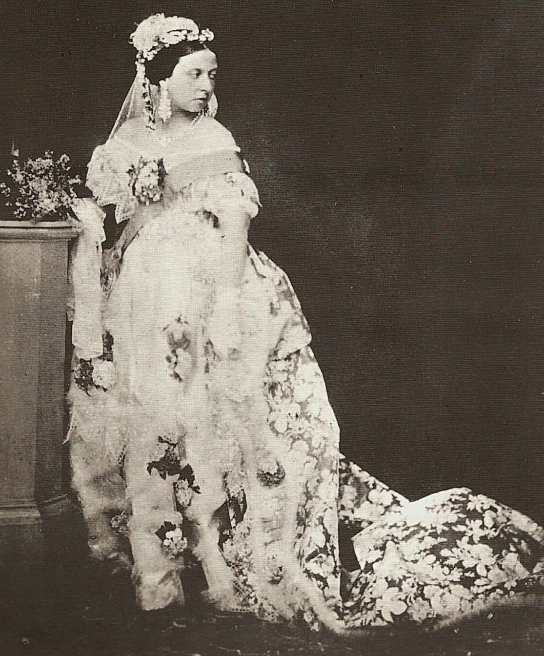Queen Victoria S Gown In 1840 Is Referenced As The Royal Wedding Dress That Populari Queen Victoria Wedding Dress Queen Victoria Wedding Victoria Wedding Dress [ 1344 x 1115 Pixel ]