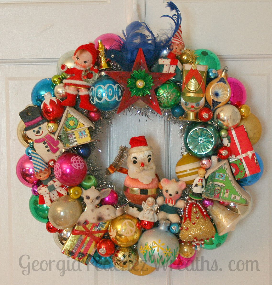Vintage Ornament Wreath Georgiapeachezwreaths Com Kitsch Christmas Vintage Christmas Ornaments Vintage Ornament Wreath
