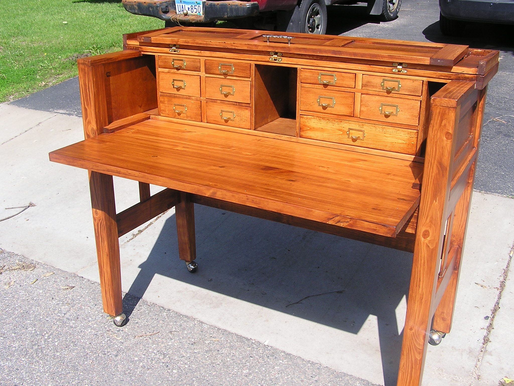 Fly Tying Desks And Benches -  img